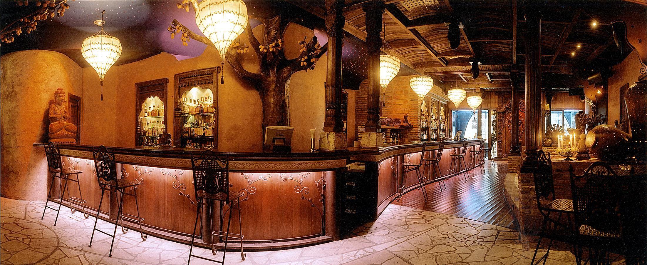 Decoracion de bares local tematico buddha en gijon newwd decoracion lugares para visitar - Decoracion bares tematicos ...