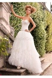 Organza Ball Gown Strapless Sweetheart Neckline Ruffled Bodice Wedding Dress