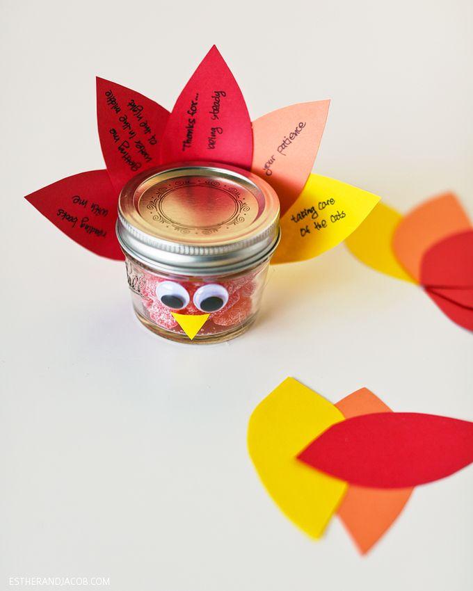Thanksgiving Crafts: DIY Mason Jar Turkey