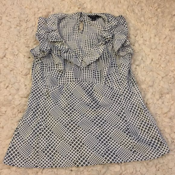BR grey scoop neck square print top BR grey scoop neck square print top in great condition. Banana Republic Tops