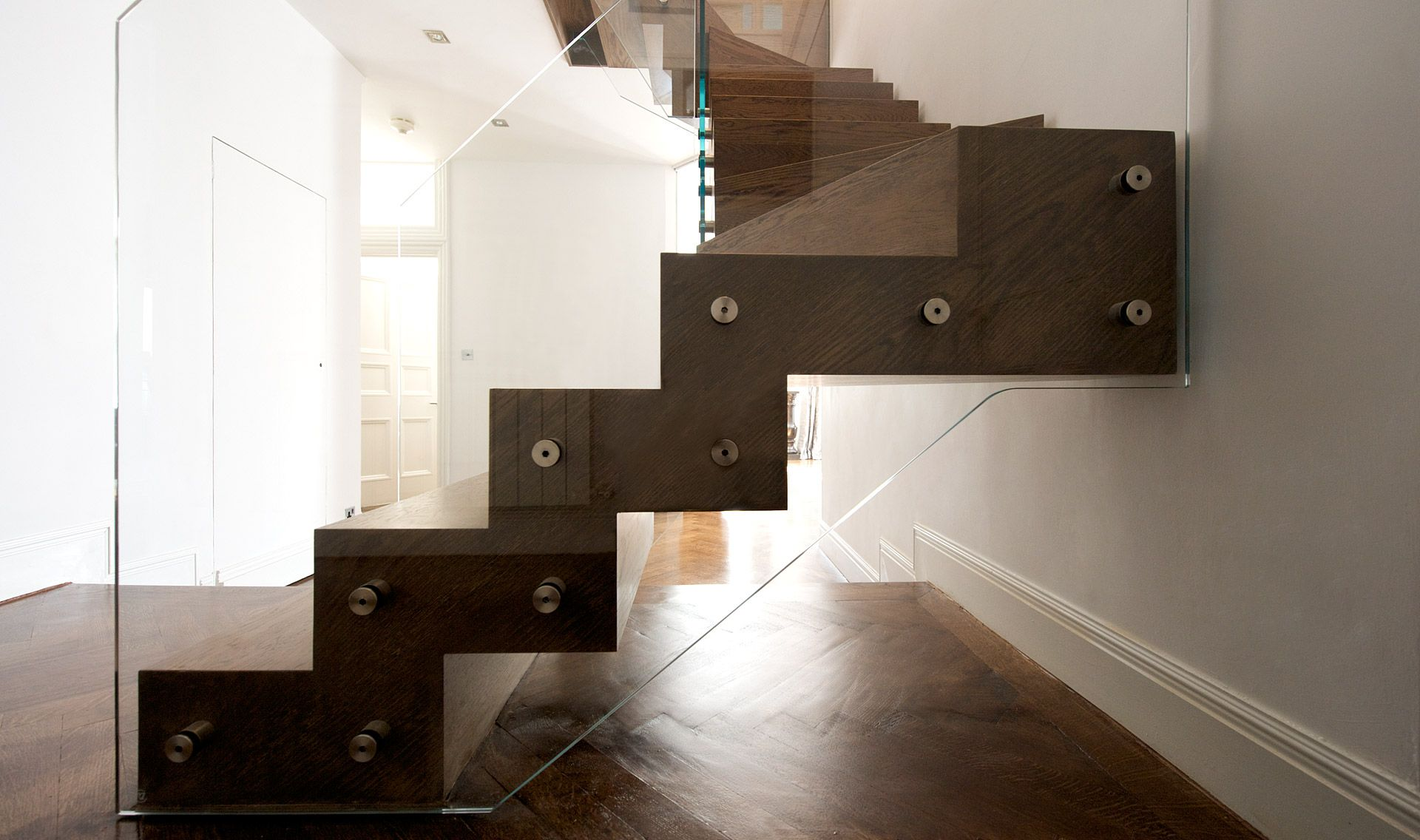 Best Stairs Zigzag With Winders Tintab Contemporary 400 x 300
