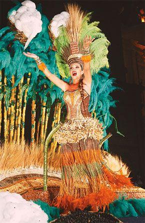 Santa Cruz Halloween Carnival 2020 Alegorías de la reina brillaron en carnaval | Carnaval de Santa