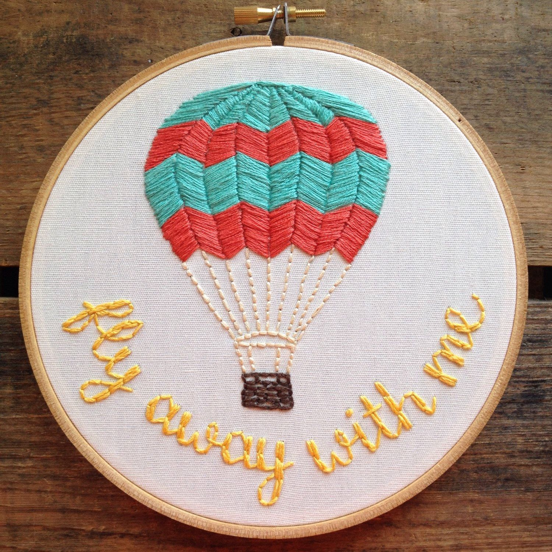 Hot Air Balloon embroidery hoop door itsonlyyou op Etsy https://www.etsy.com/nl/listing/234479206/hot-air-balloon-embroidery-hoop