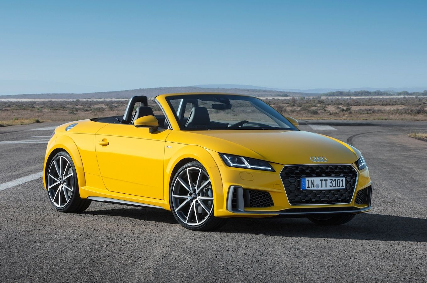 Twenty Years After The Series Best Of The Initial Tt The 3rd Generation Of The Audi Tt Is Getting An Extensive Upgra Audi Tt Audi Convertible Audi Tt Roadster