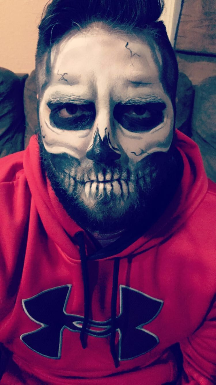 Scary Halloween Makeup For Guys With Beards.Skeleton Makeup On Bearded Man Makeup Skeleton Makeup