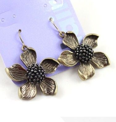Brand five petal flower black flower texture Earrings DC8E501 $2.00
