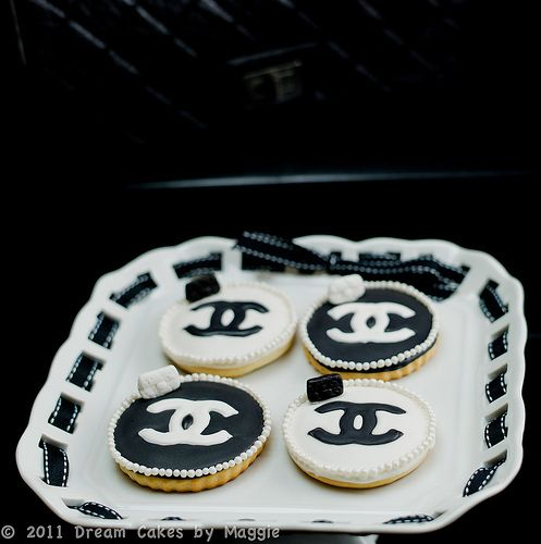 Elegant Chanel Cookies