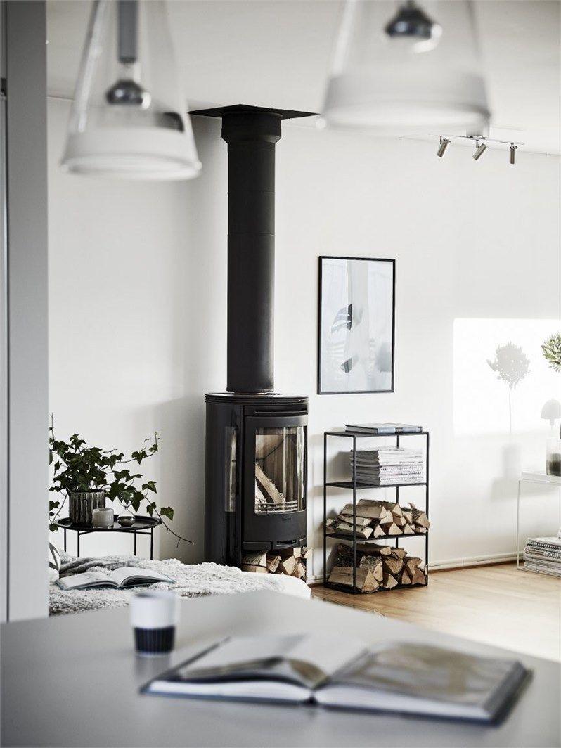 une maison familiale en noir et blanc planete deco a homes world