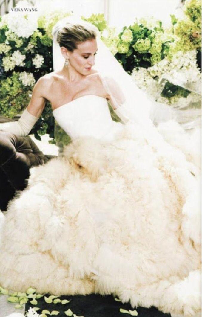Vera Wang Eleanor Preownedweddingdresses Com City Wedding Dress Carrie Bradshaw Wedding Dress Wedding Dresses Vera Wang