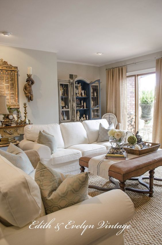 20 Impressive French Country Living Room Design Ideas French