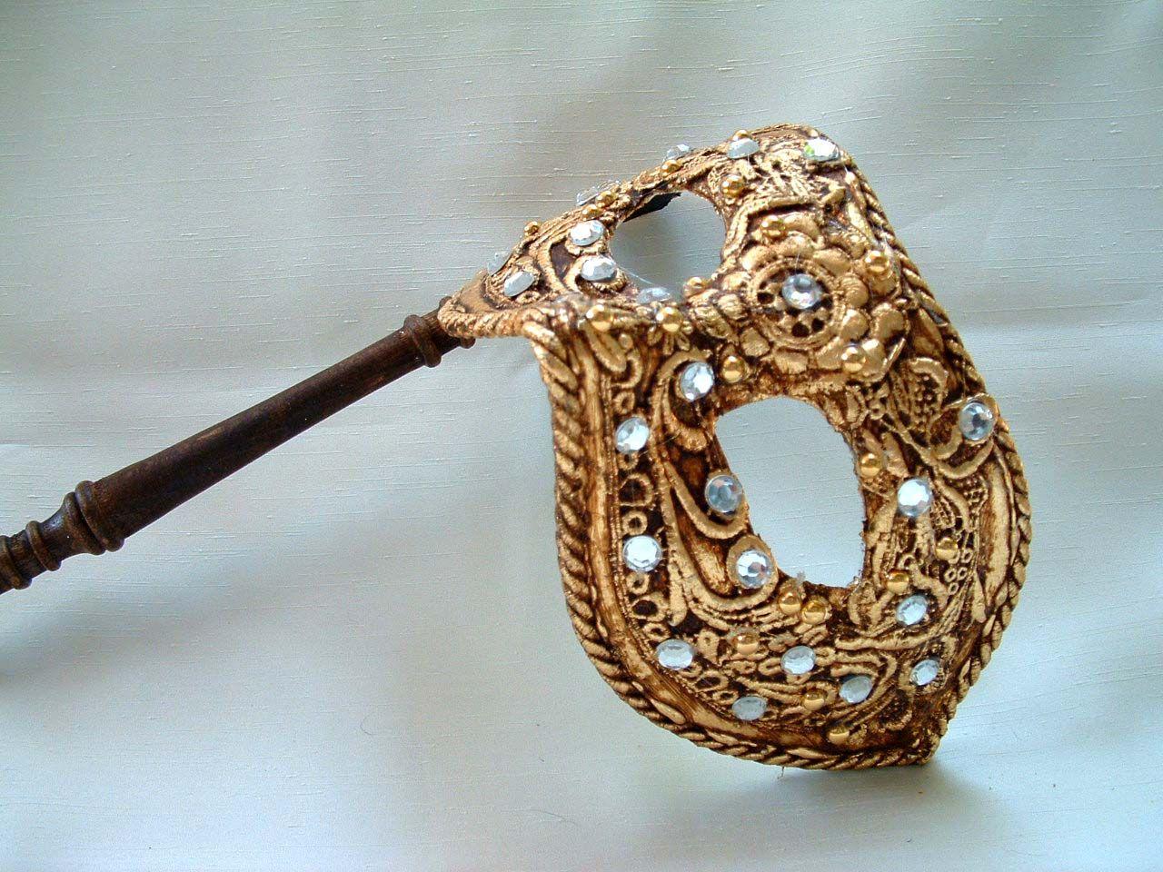 Columbina Gold Macrame Stick