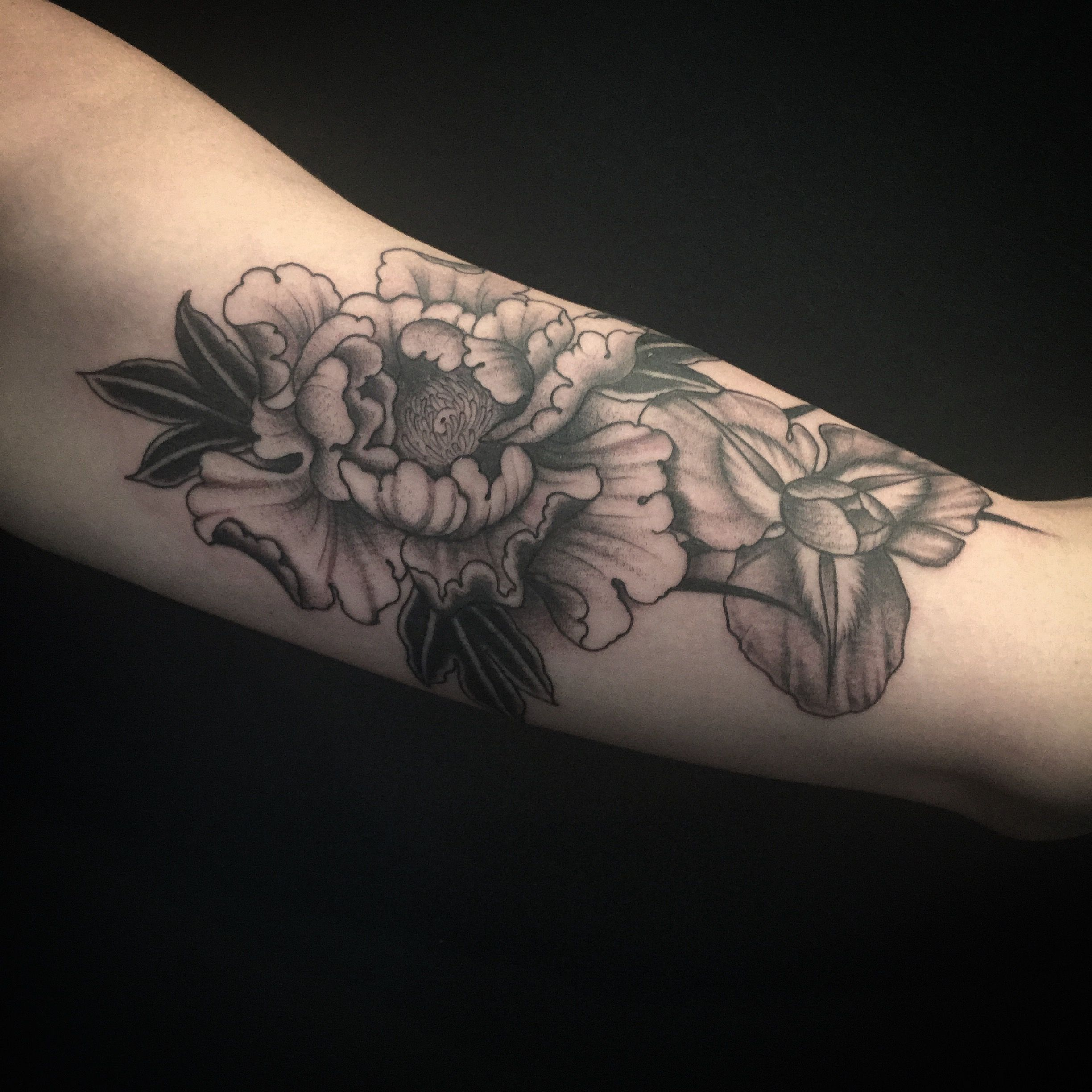 Peony And Iris Tattoo By Nate Fierro Iris Tattoo Tattoos Flower Tattoo On Side