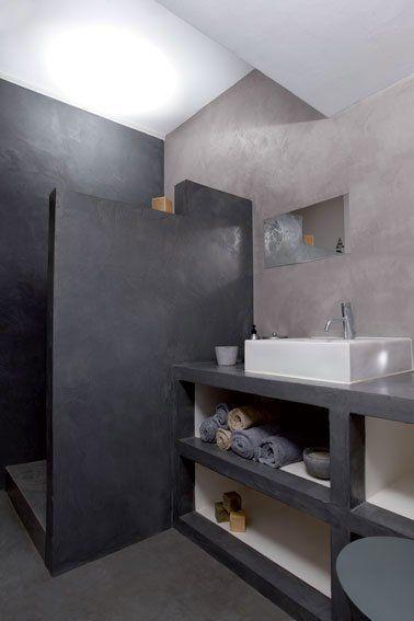 Salle de bain italienne en béton ciré gris