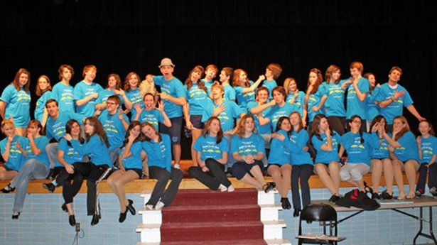 Hopewell High School rehearses 'Singin' in the Rain'