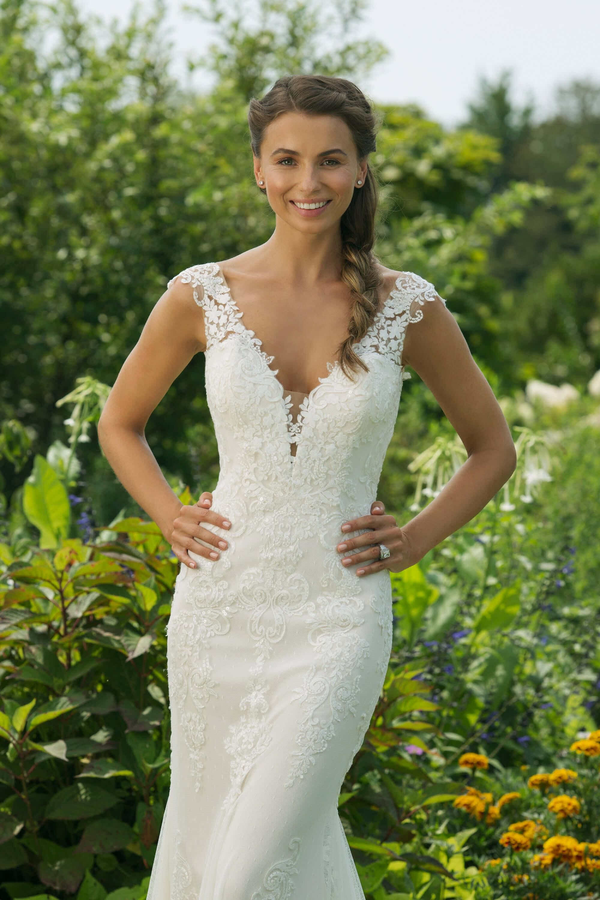 Wedding dress short in front with long train    Kleid  Pinterest  Wedding dresses Wedding and Gowns