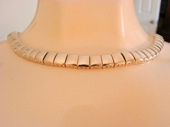 Vintage Designer Goldtone Link... from Picsity.com