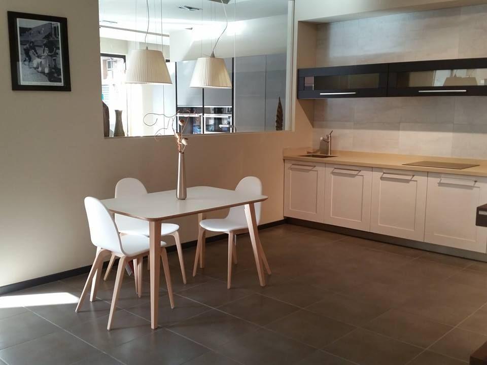 mesa y sillas de ondarreta serie bob cocina modelo dogma de arrital puede venir a boboffice