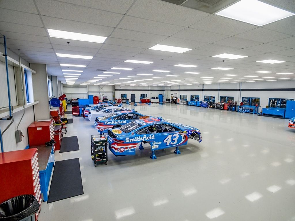 Richard Petty Motorsports Shop Lease Set To Expire Richard Petty Cool House Designs Mechanic Garage