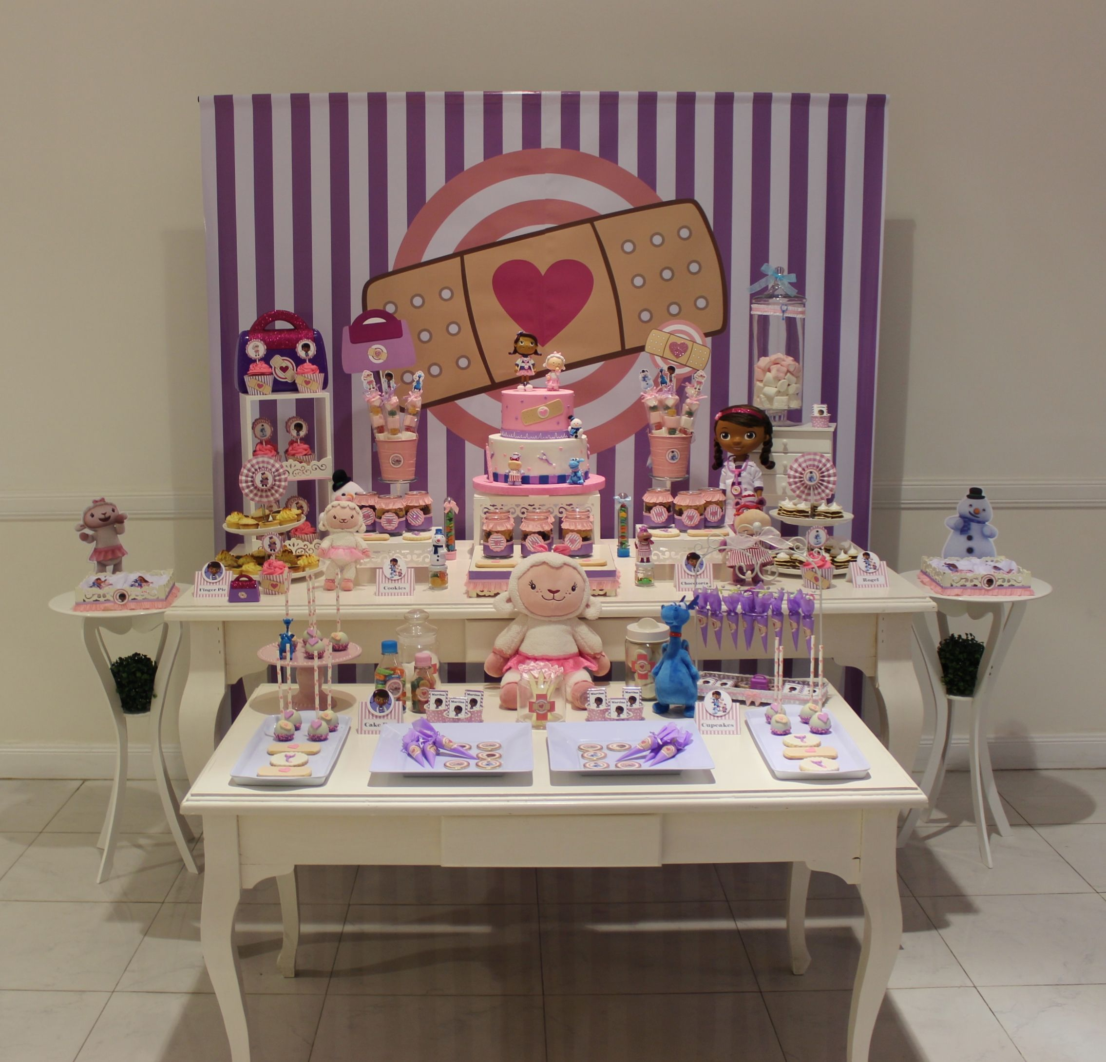 Dra juguetes candy bar violeta glace cumple doc - Ideas decoracion bar ...