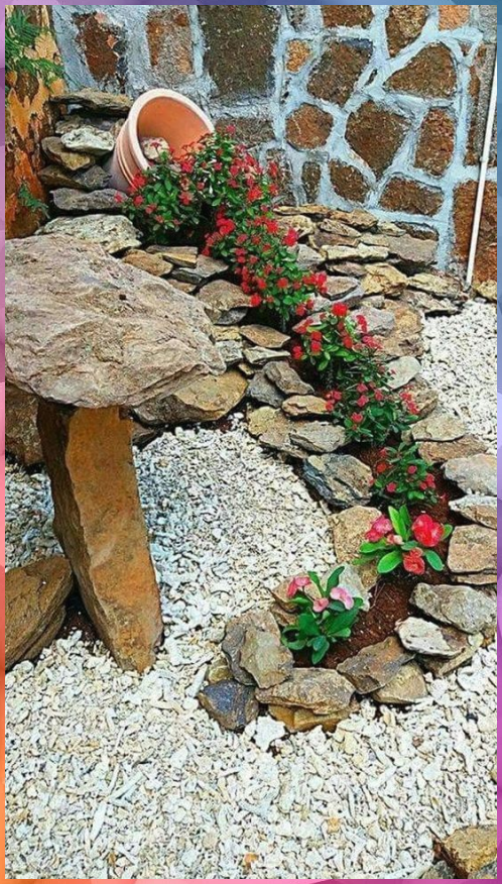 Clay Pots Decorative Stone And Flowers 28 Ideas For The Most Unlikely Garden De In 2020 Landscaping With Rocks Backyard Ideas For Small Yards Outdoor Decor Backyard