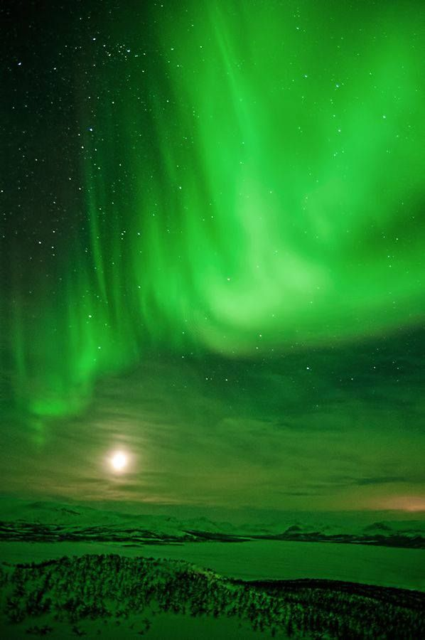 Northern Sky \ Moon Finland beautiful green color Color Me Pretty - new blueprint alberta northern lights