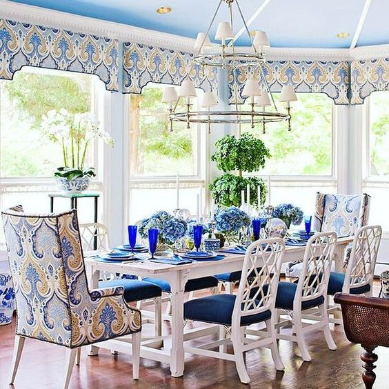 Classic Chinoiserie With A Blue And White Palette And Chinese Chippendale  Chairs.