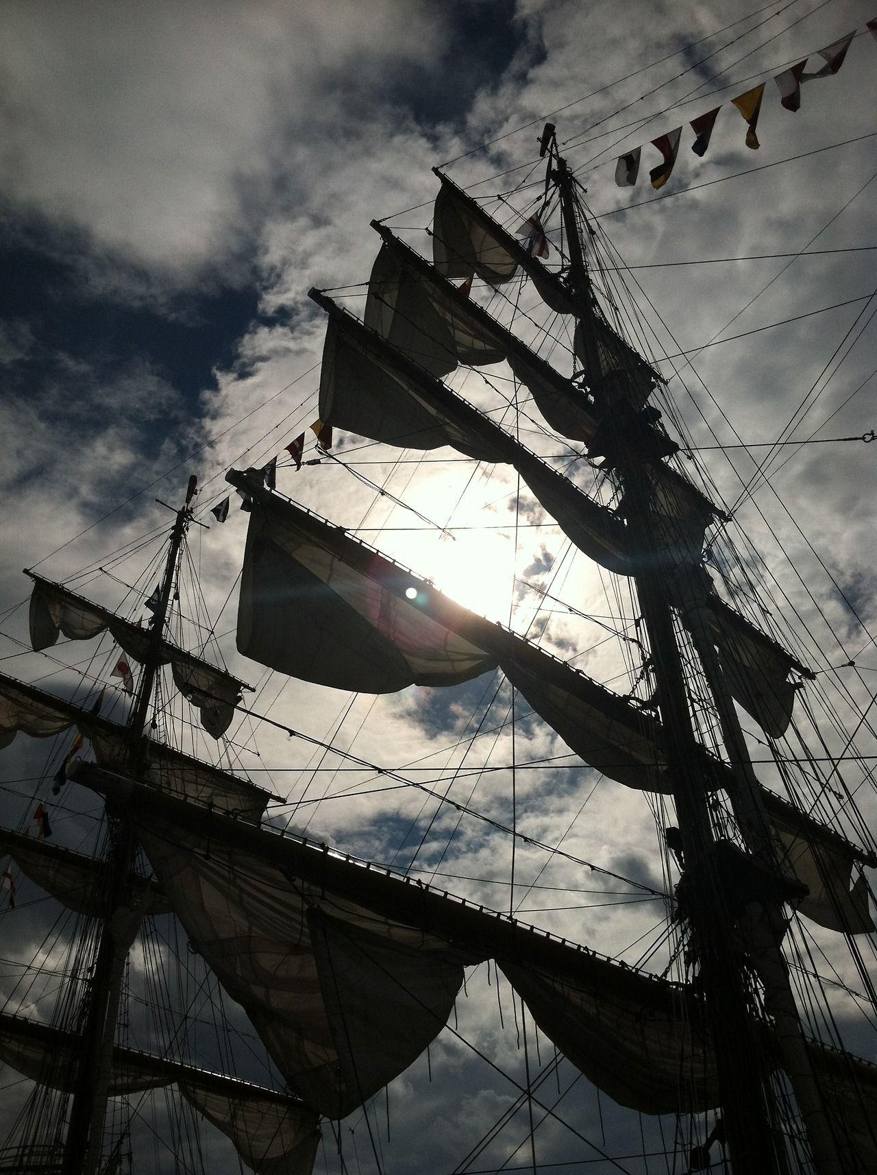 (6) tall ship