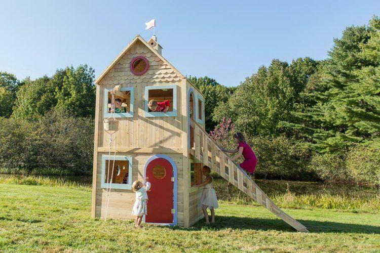 Spielburg Auf Zwei Stockwerken - Mit Einer Holztreppe Ausgerüstet ... Spielhaus Im Garten Kinderspielhaus Holz
