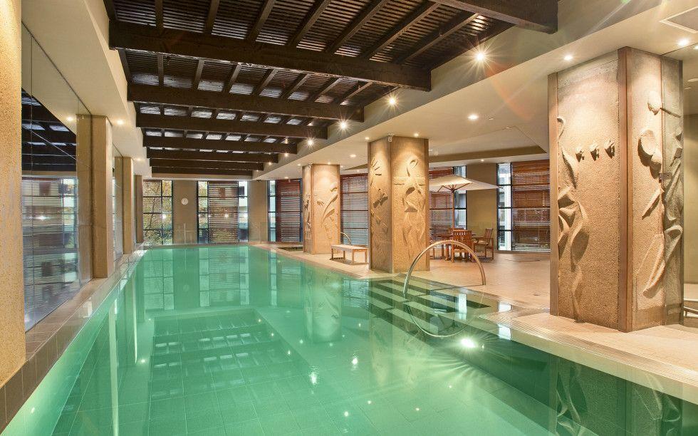 Amazing indoor swimming pool in Sydney apartment building