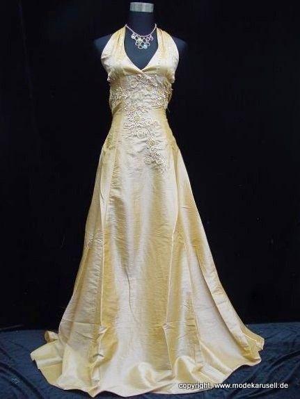 Neckhoulder Abendkleid Brautkleid Carmela In Beige Champagne Online Neckhoulder Abendkleid Brautkleid Online Formelle Kleider Ballkleid Hochzeit Abendkleid