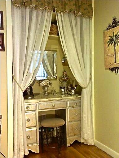 Candi McGeheeu0027s Version Of A Closet Redo . Making A Vanity Nook. I Took A