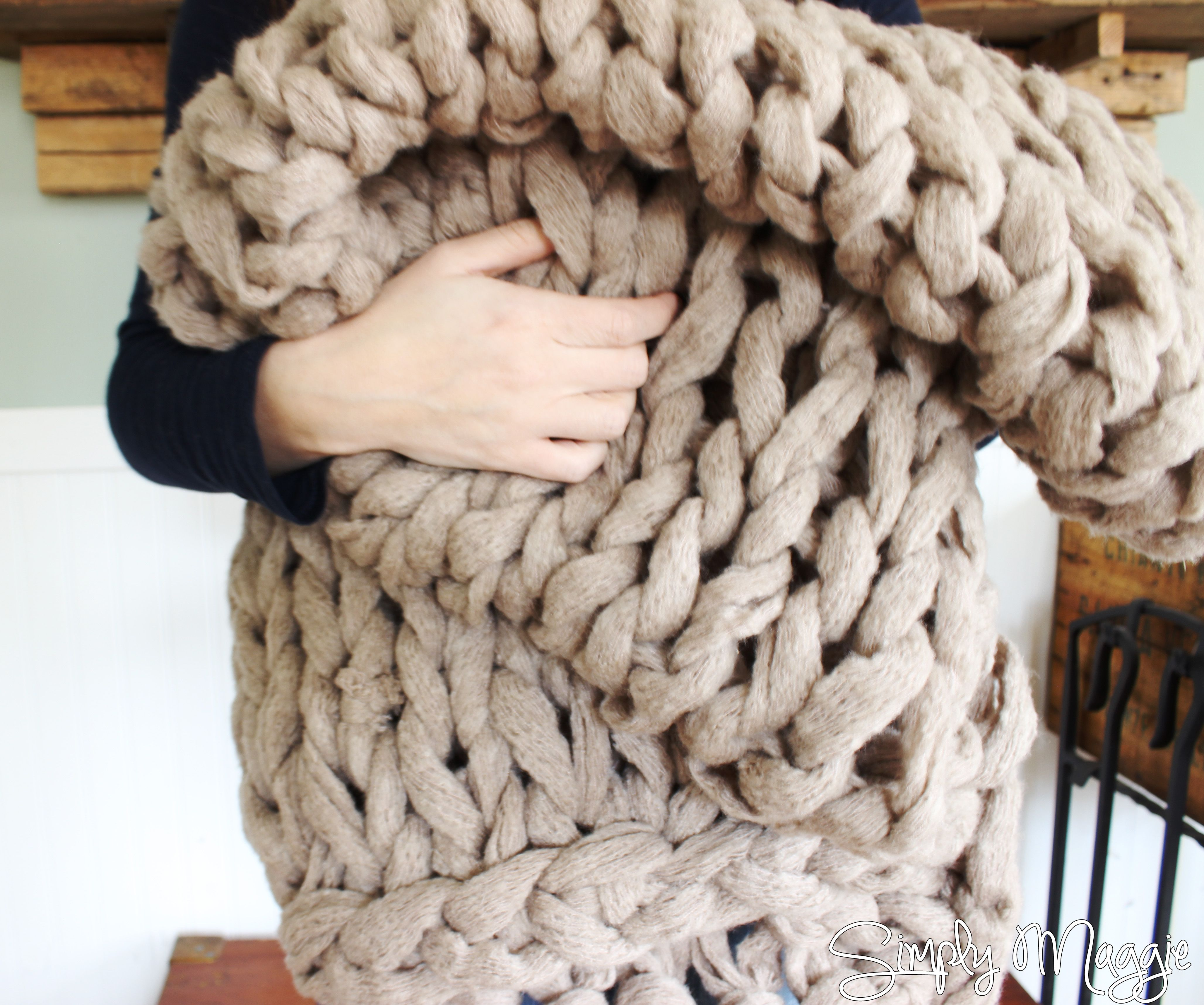 Super Chunky Yarn Arm Knitting Blanket Bulky Yarn Hand Knitting DIY Blanket