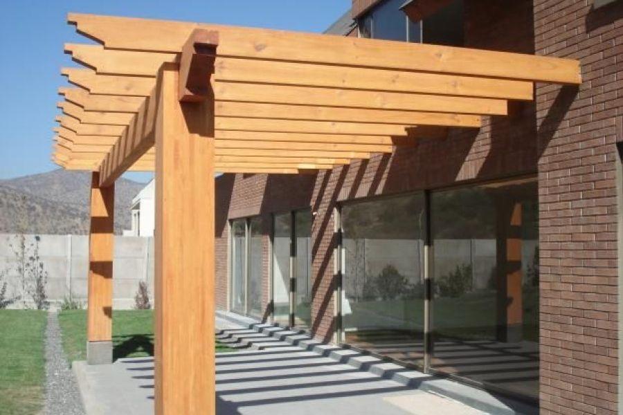 Terrakota terrazas techos y muebles de madera pergola for Techos en madera para terrazas