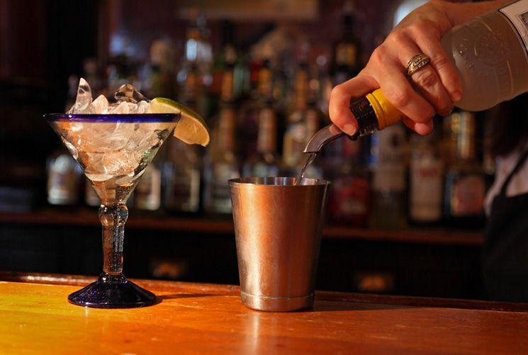 Evenings In The Bar Martini Monday At The Washington House Sellersville Pa Washington Houses Bar House Restaurant