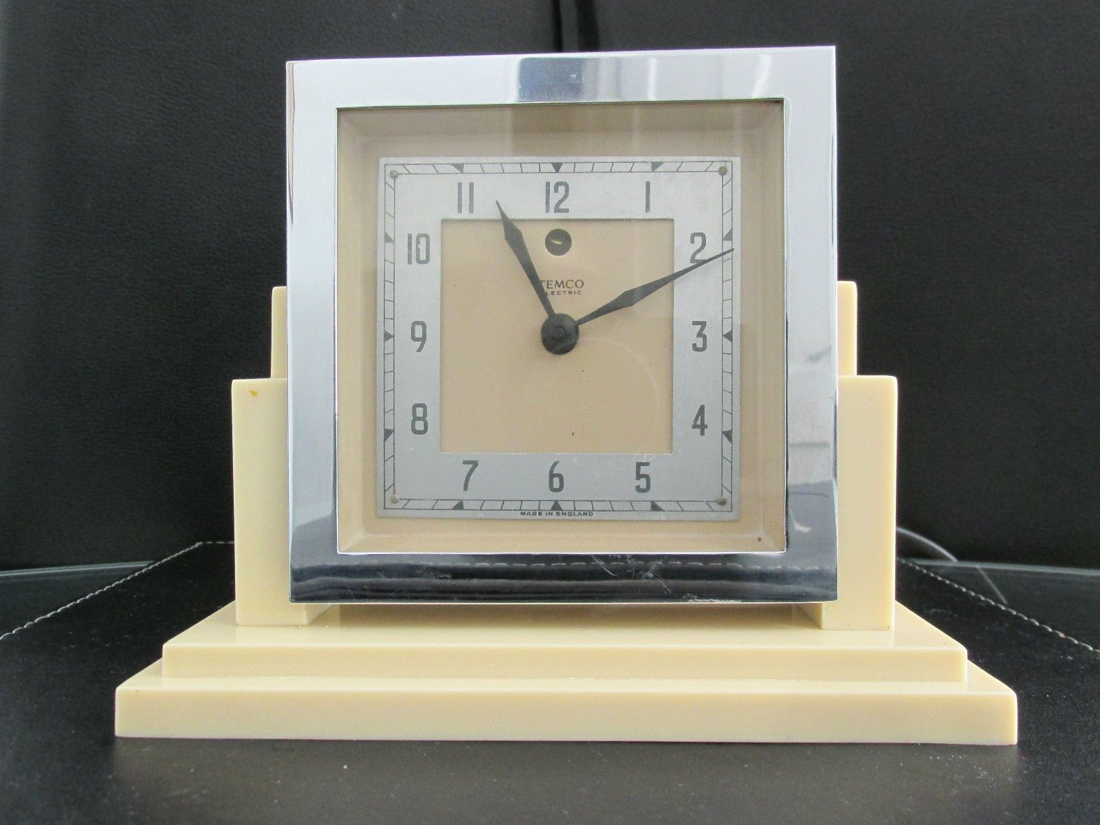 Skyscraper Style Art Deco Bakelite Temco Electric Mantel Clock 1930s Working Art Deco Clock Mantel Clock Clock