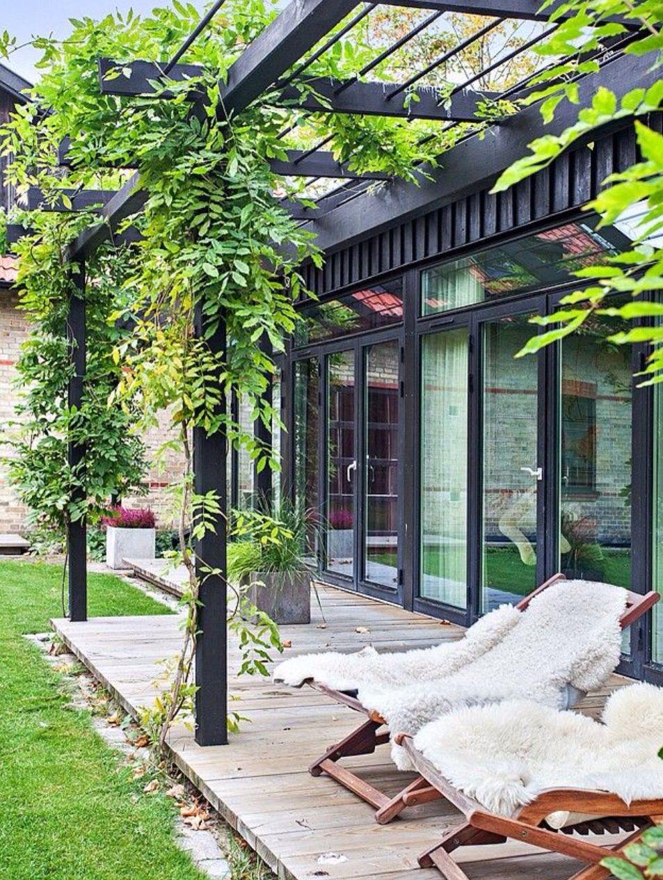 Wimpelkette Garten Und Terrasse Podest Terrassenanschluss Garten Schone Terrasse Pergola Plane