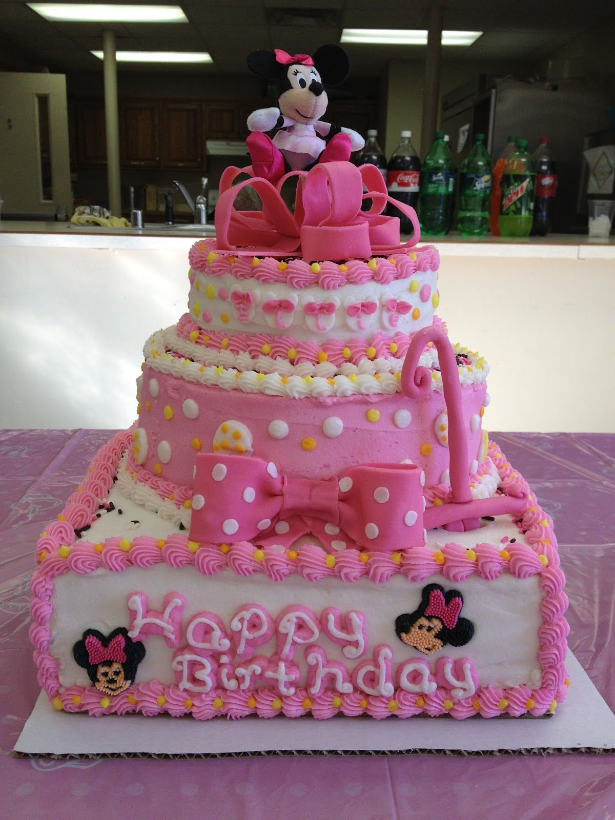 mickey mouse birthday cake for girl