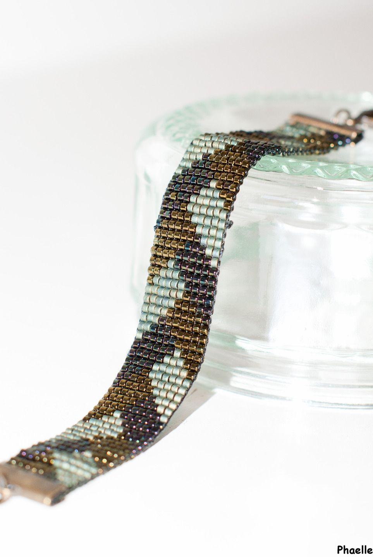 bracelet manchette en perles tissées - motif tresse, camaïeu de verts : Bracelet par phaelle