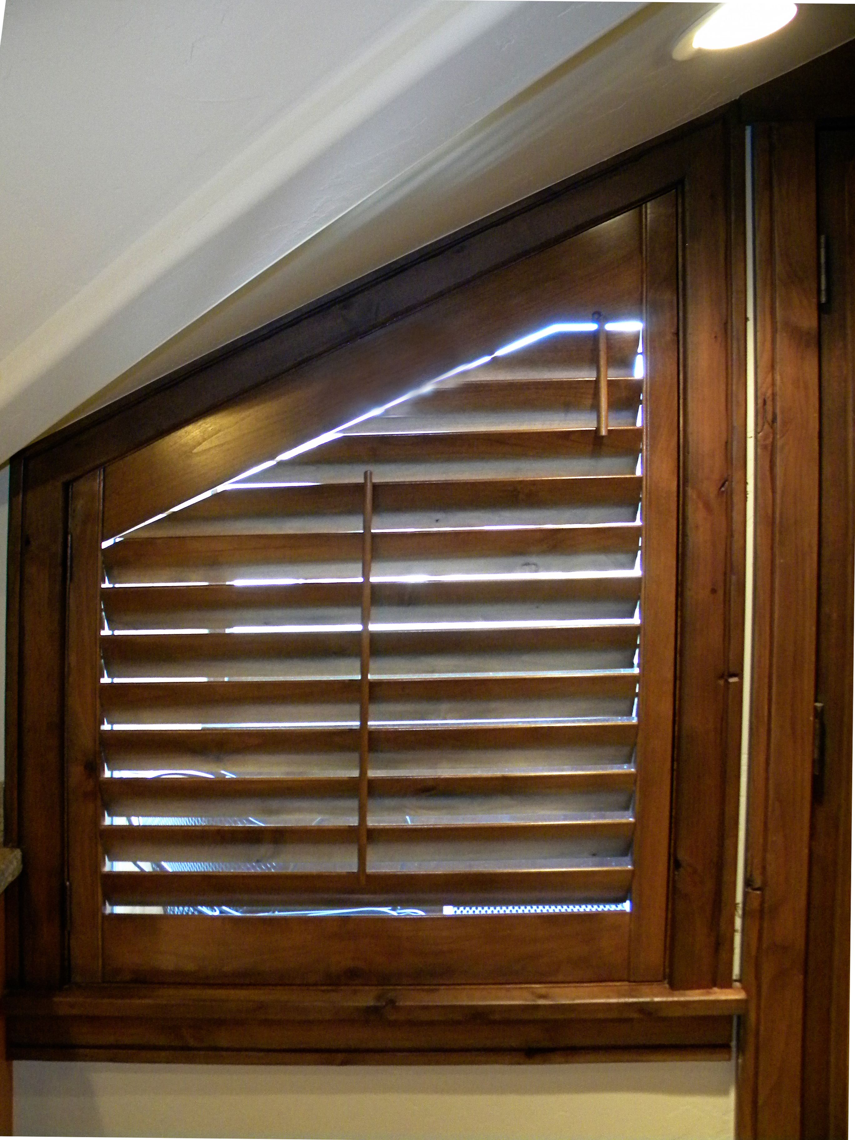 Best Window Blinds For A Master Bathroom: Pin On Plantation Shutters