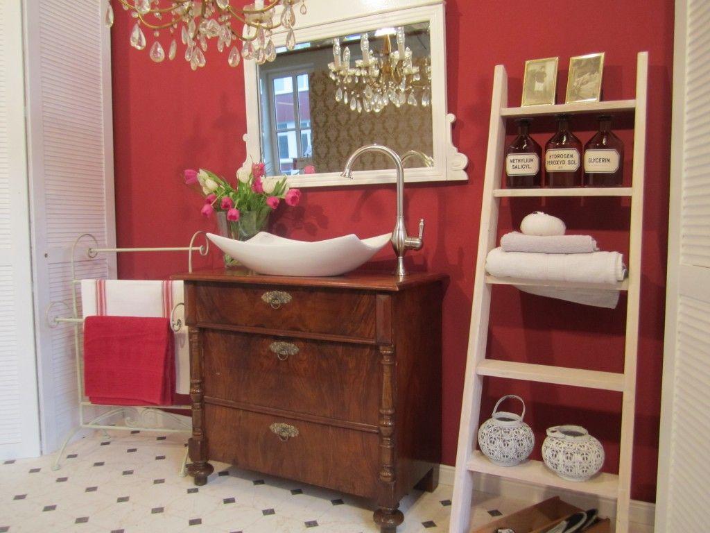 badmöbel landhaus - ein antiker waschtisch bringt lebendige, Badezimmer ideen