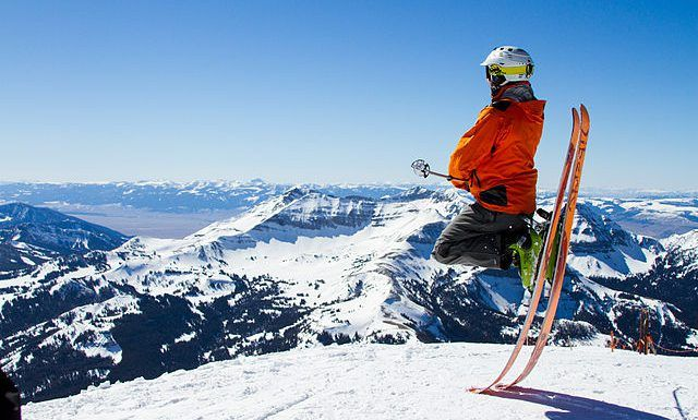 Understand at what skiing level you are in order to know what fits you the most as skis and ski styles!