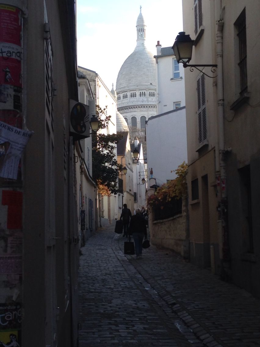 Paris: Montmartre streets