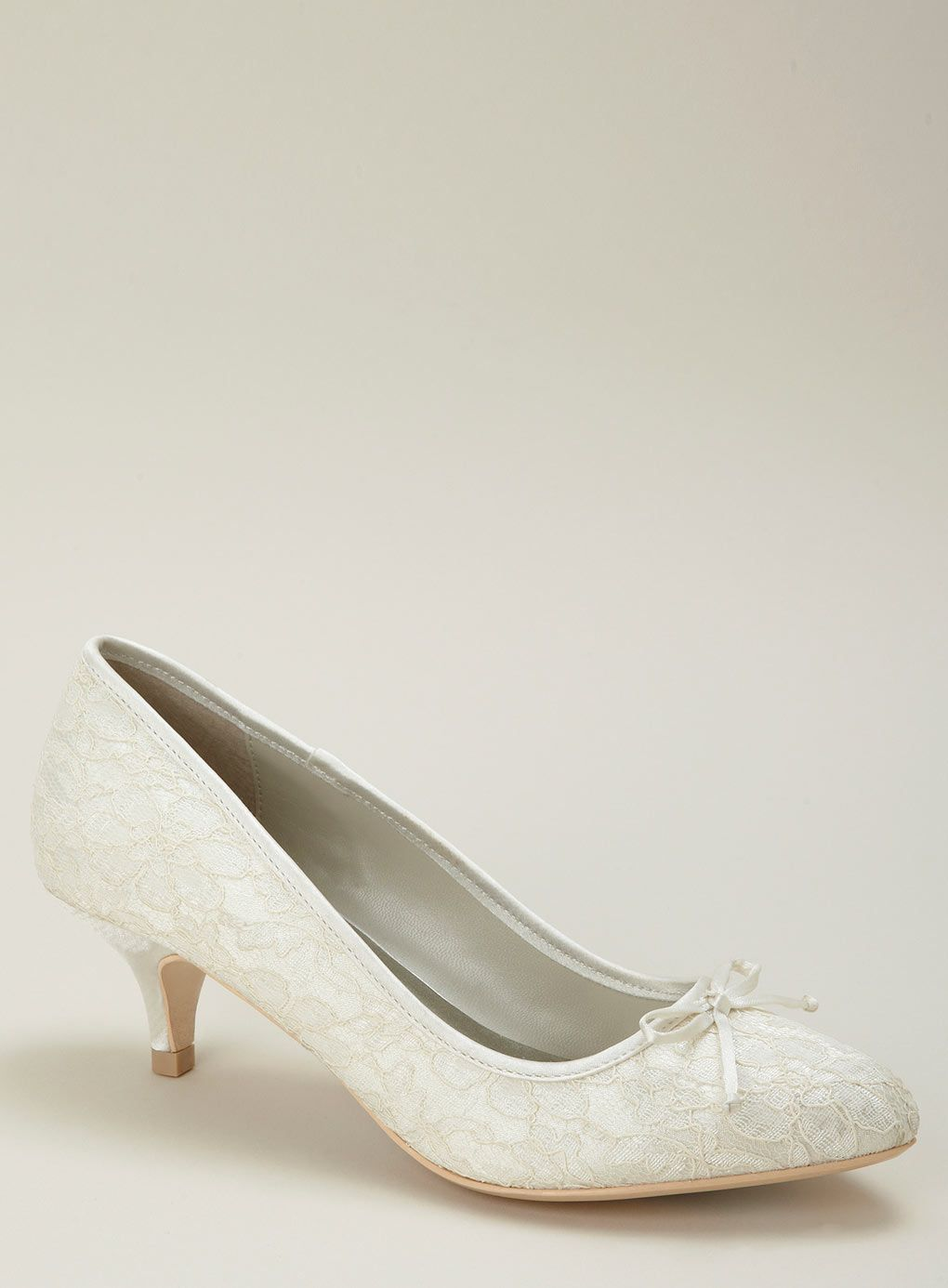 1000  images about My shoes on Pinterest  Kitten heel shoes Lace