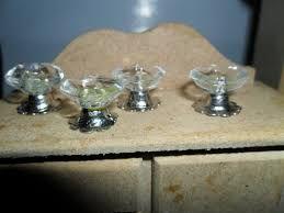 Belo Conjunto De 2 Miniatura Da Casa De Boneca Escala 1:12 Torneiras De Latão Com Botões #WCHW 51