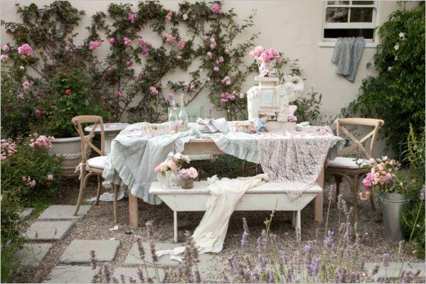 My idea of a beautiful shabbily garden ♥