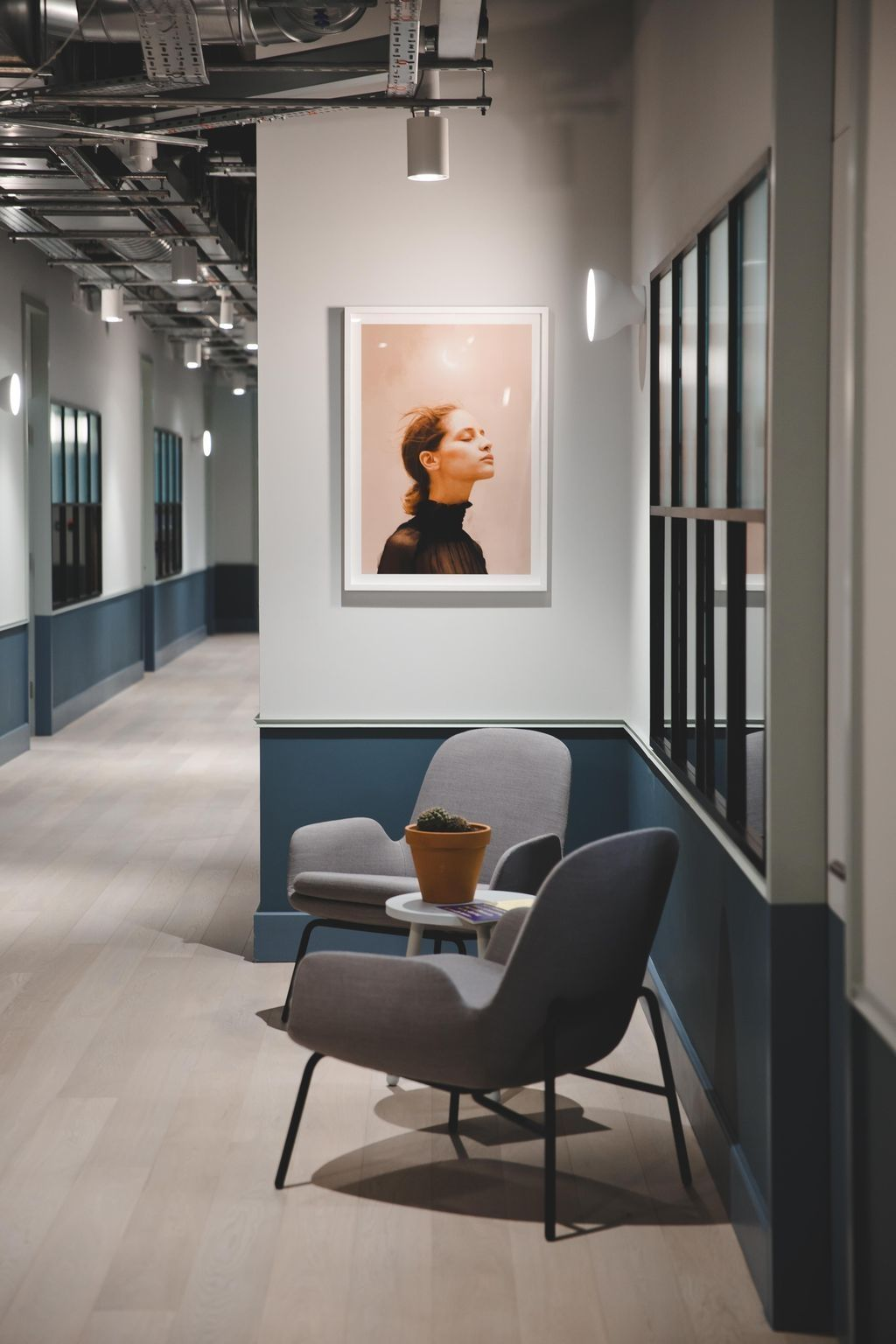 Updating An Office Fitout Or Provisioning A Completely New Office Design Is Often Both Difficult Small Office Design Modern Office Space Modern Office Decor