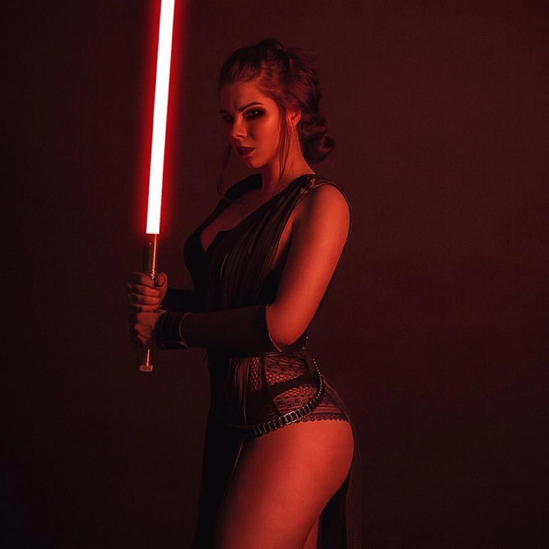 """1,887 mentions J'aime, 16 commentaires - ART • PHOTOGRAPHY • COSPLAY (@dirtydroid) sur Instagram : """"@dirtydroid #dirtydroid - ➡️ @anastasyazelenova ⬅️ - #starwars #sexystarwars #anastasyazelenova…"""""""