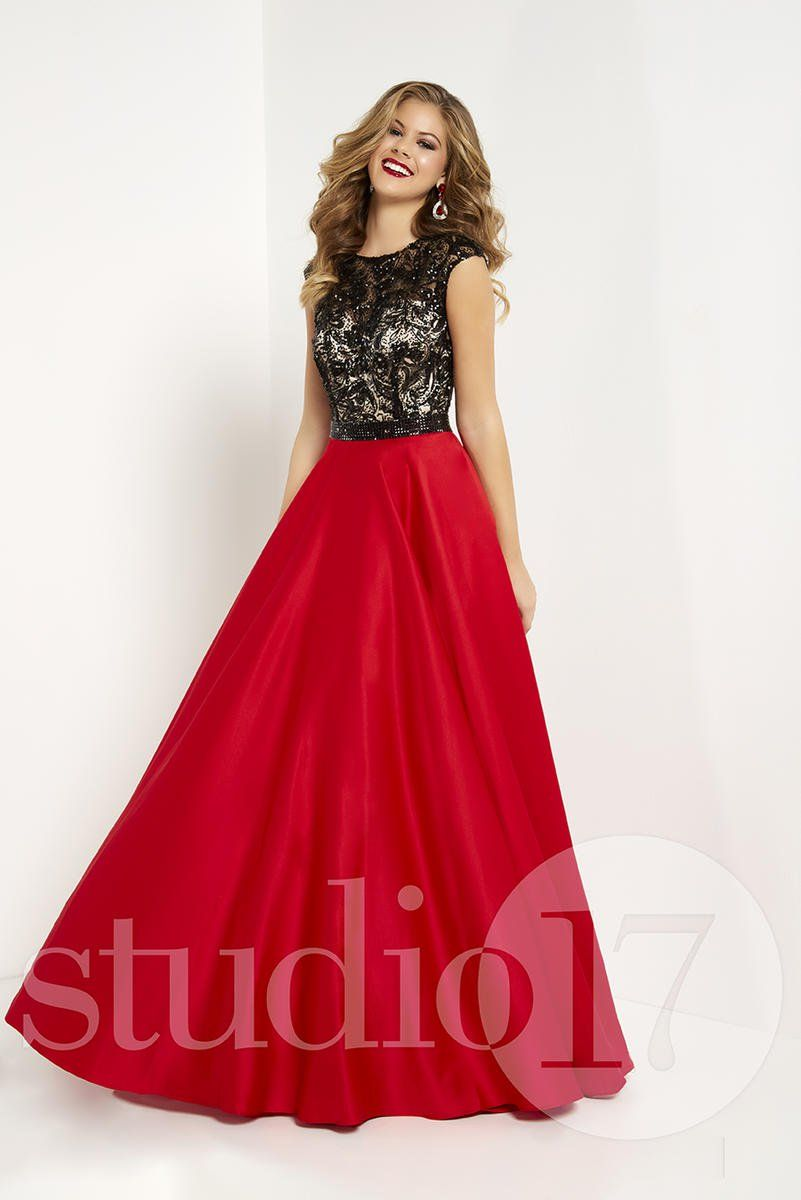 Studio 17 12699 Bella Boutique - Knoxville,
