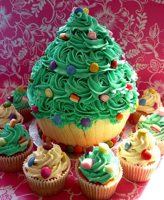 thanksgiving ceremony giant cupcake and cakes basteln. Black Bedroom Furniture Sets. Home Design Ideas