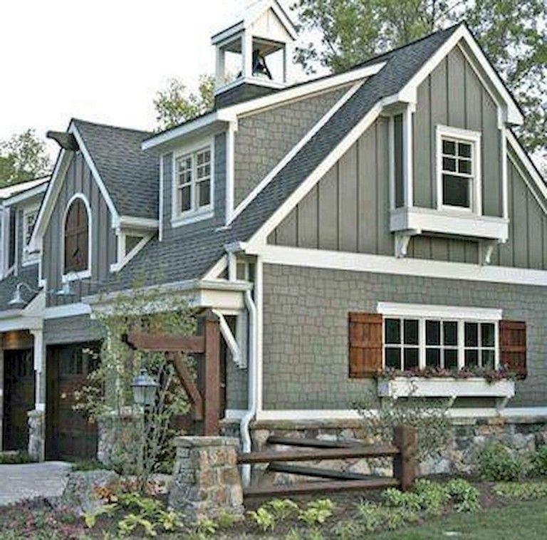 55 Simple Farmhouse Exterior Decor Ideas Farmhouse Exterior Exteriordesign Modern Farmhouse Exterior Exterior Paint Colors For House House Paint Exterior